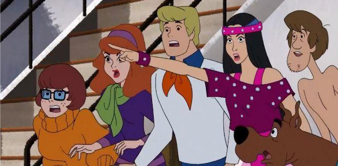 Havuzda Köpekbalığı - Scooby Doo ve Bil Bakalım Kim?